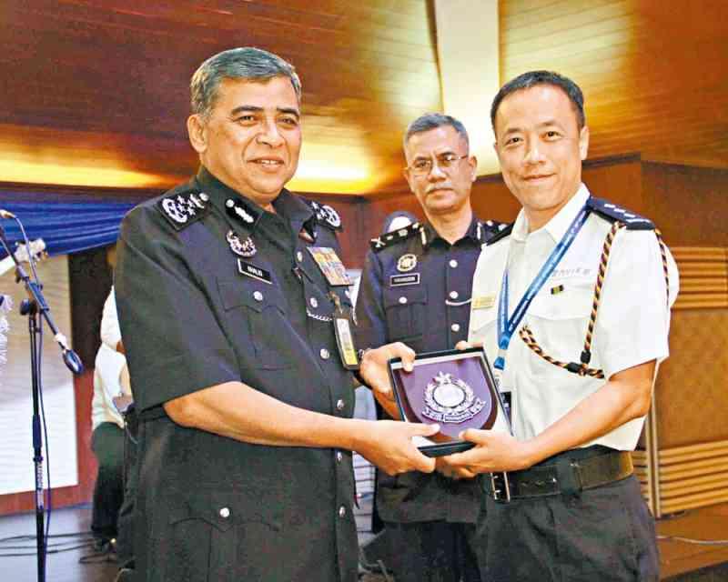 人員赴馬來西亞修讀指揮課程