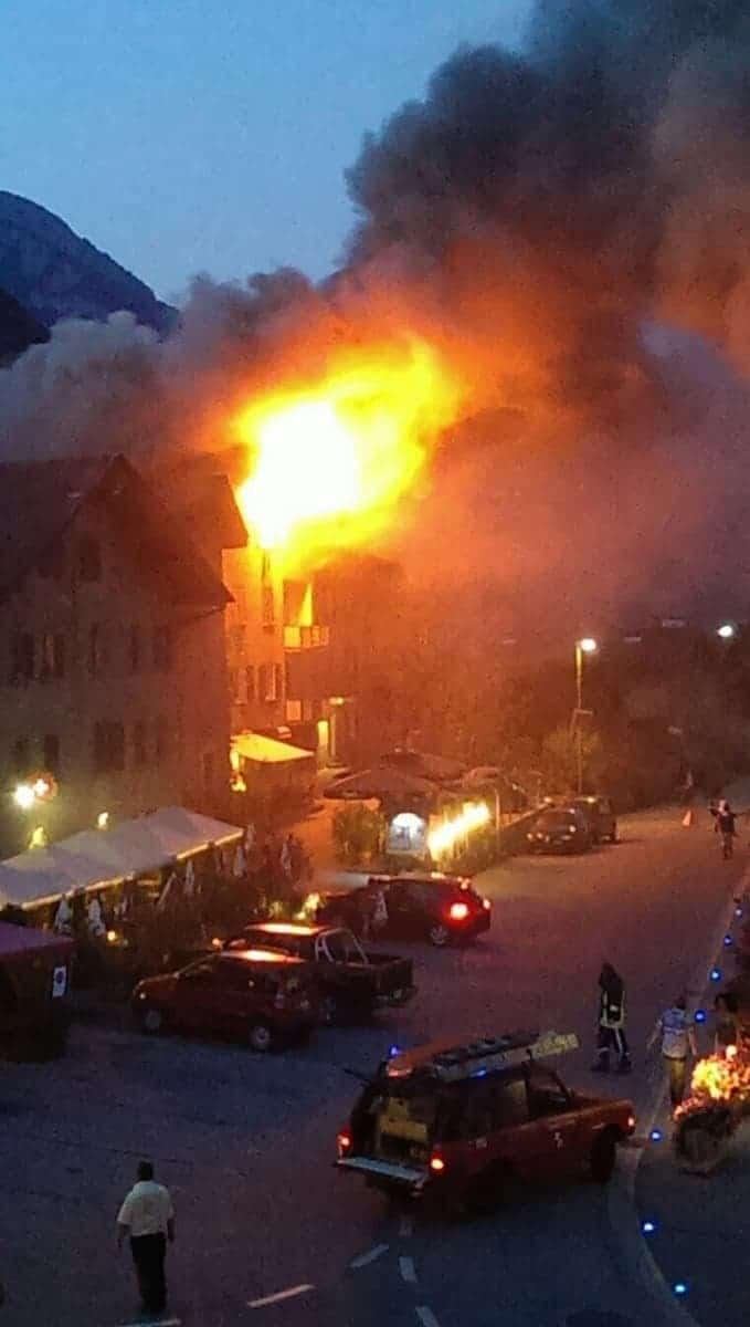 StPierredeClage  appartement en feu  Police cantonale