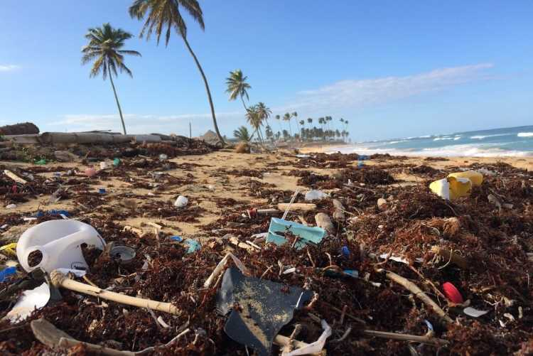 plastic waste pollution on the rise
