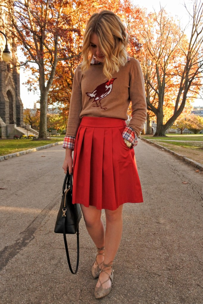 A perfect festive outfit idea to wear on Thanksgiving!