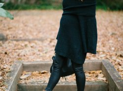 black bell sleeves sweater // www.polishedclosets.com