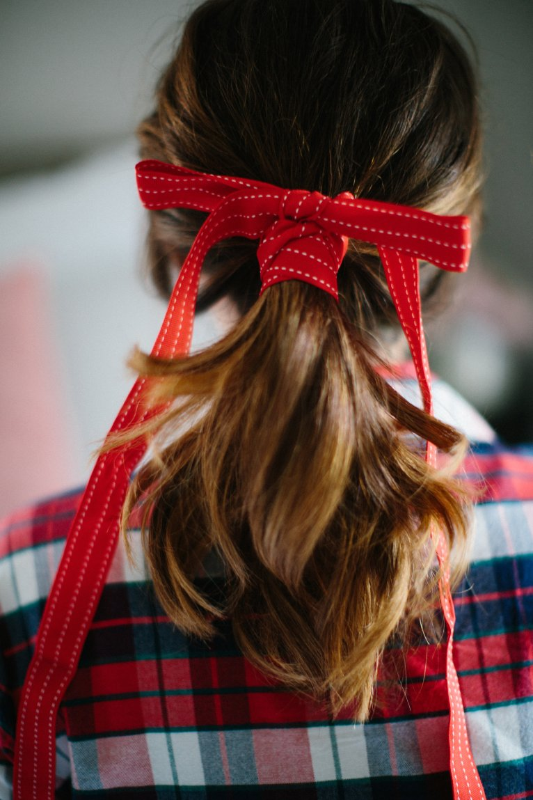 Red Hair Bow // www.polishedclosets
