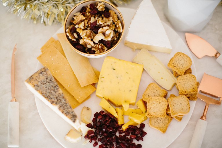 holiday cheese plate // www.polishedclosets.com