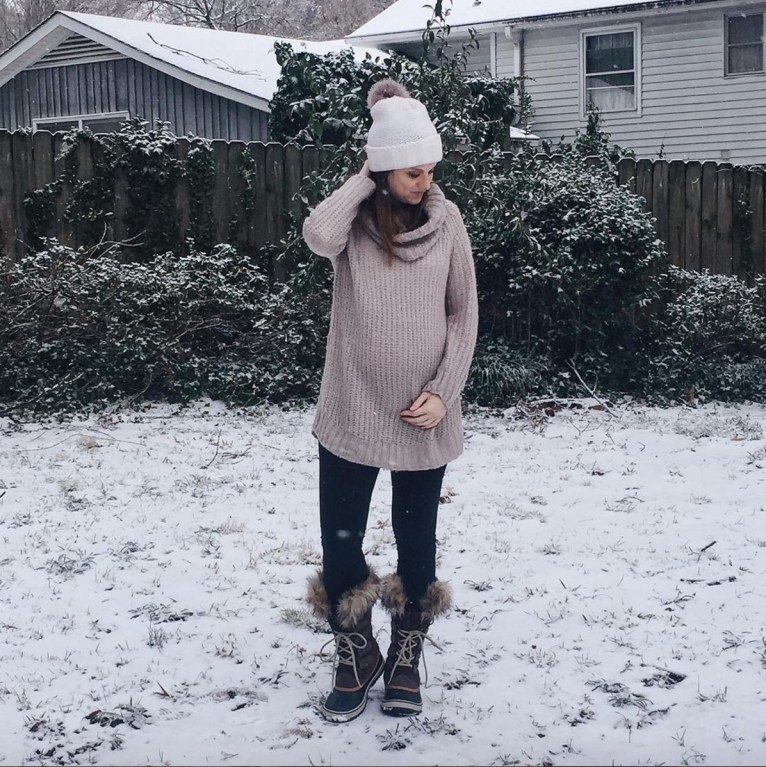 what to wear on a snow day // www.polishedclosets.com