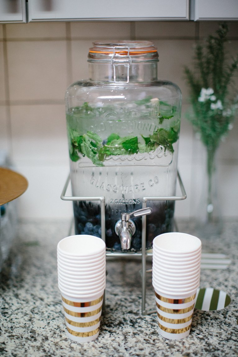 berry and mint flavored water