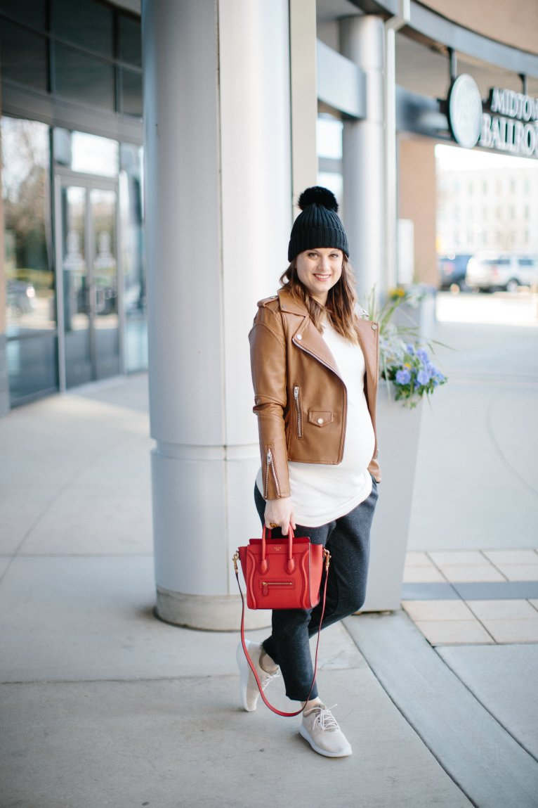how to dress comfy and chic // www.polishedclosets.com