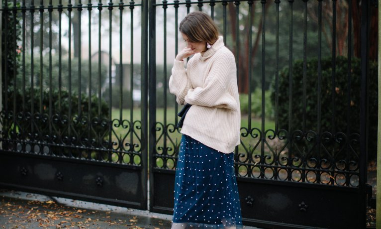 Cozy & Chic – How to Wear an Oversized Sweater