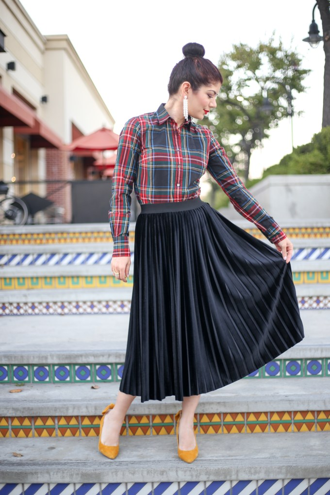 834fc77a70 Halogen velvet pleated midi skirt styled two ways for Skirtmas on Polished  Whimsy blog. J. I chose to wear ...