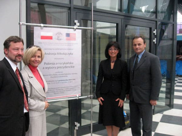 Prof. Krzysztof Malik, Urszula Ciołeszyńska, A. Mikołajczyk and dr. hab. Agata Zagórowska after the lecture about Polish American Community in the United States