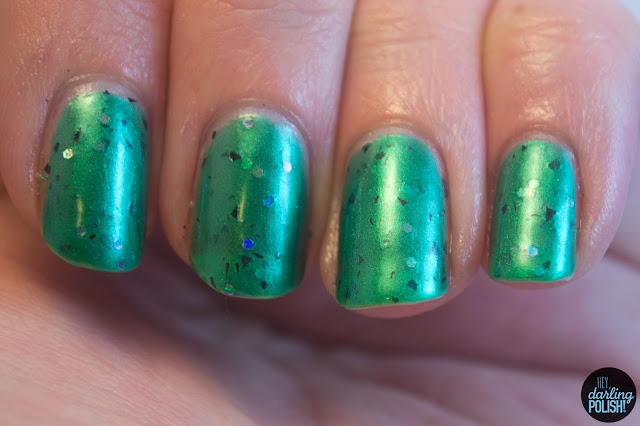 nails, nail polish, indie, indie polish, hey darling polish, cascade polish, halloween, green, glitz-n-stein, shards