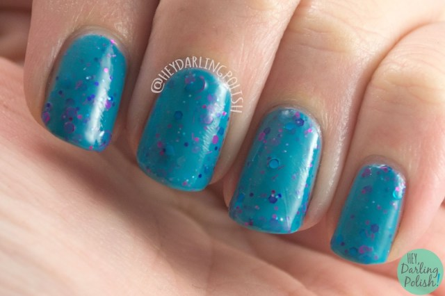 nails, nail polish, indie polish, kbshimmer, hey darling polish, glitter crelly, glitter, totally tubular, teal, swatch