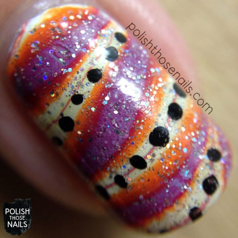 nails, nail art, nail polish, watermarble, polish those nails, polka dots, macro