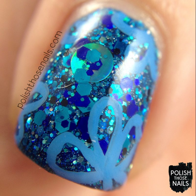 nails, nail art, nail polish, indie polish, blue, monochrome, flowers, glitter, polish those nails, macro