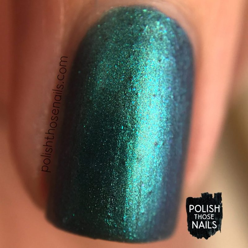 duochrome, reflection pool, color therapy, swatch, nails, nail polish, sally hansen, press sample, polish those nails, macro