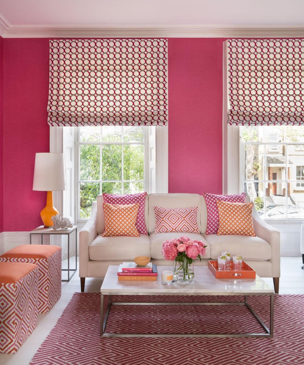 Roze huiskamerideen  om een gevoel van romantiek