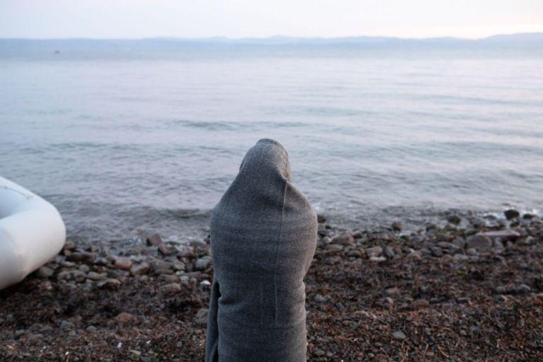 Επικίνδυνες «ρήτρες» στο Σύμφωνο Μετανάστευσης ζητά η Ελλάδα – Εξώσεις και φτώχεια για τους πρόσφυγες