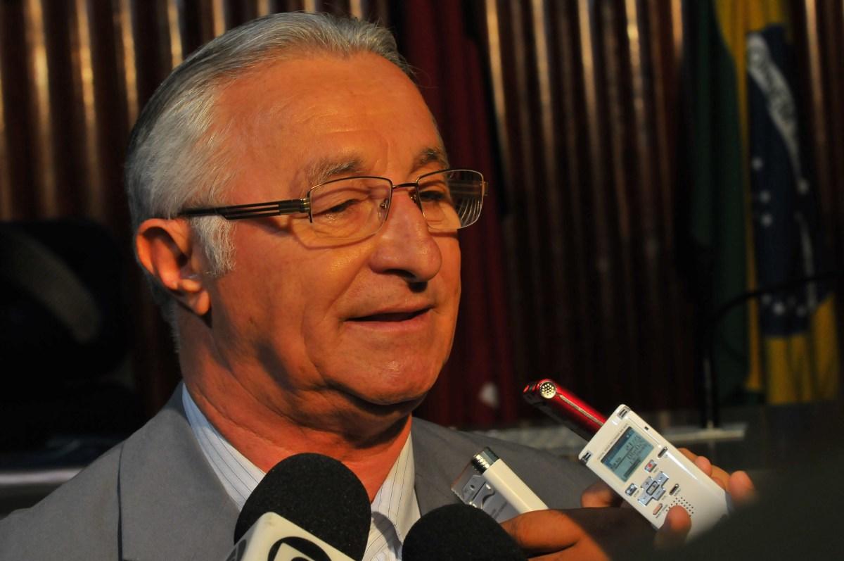 Candidato afirma que prefeito declarou apoio à concorrente por três milhões na Paraíba