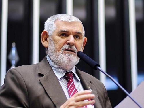 Candidato 'mais pobre', Luiz Couto tem o suplente mais rico na disputa pelo Senado