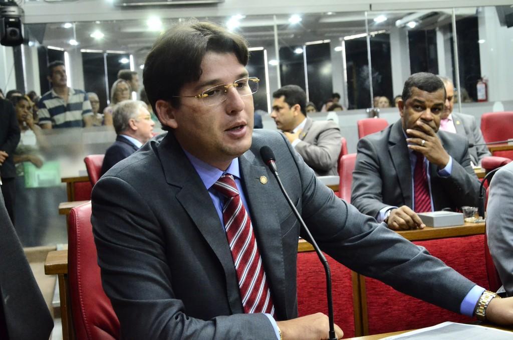 ÁUDIO: Milânez sugere que PSB apoie Lucélio para ficar junto com Luciano nas eleições