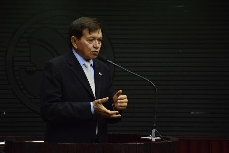 Após encontro com Cássio, deputado nega ingresso no PSDB