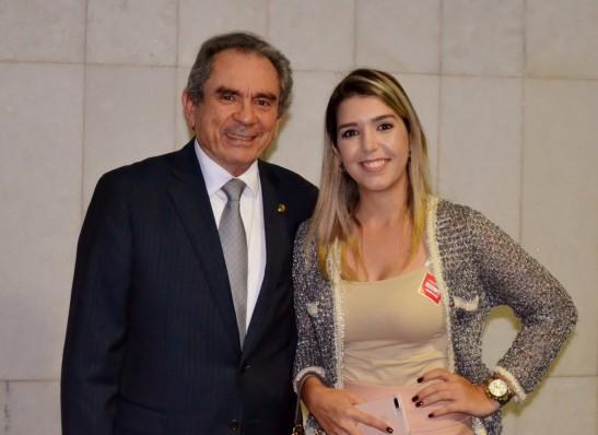 Prefeita de Monteiro agradece a Lira pela conquista de ambulâncias e diz que senador é o defensor dos pleitos da cidade
