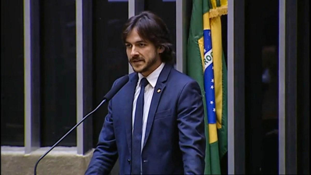 VÍDEOS: Pedro cobra respeito de Gleisi Hoffmann a Justiça após petista pedir ajuda de árabes para soltar Lula