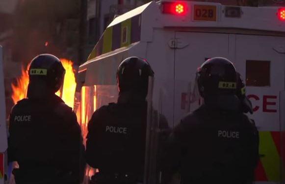 Continuano le violenze in Irlanda del Nord