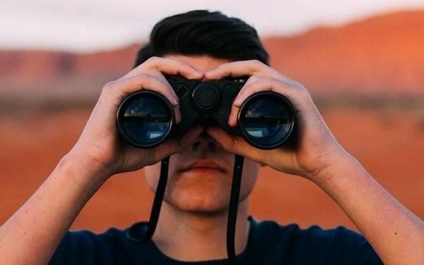 Guardare più lontano per evitare le future crisi – di Guido Puccio