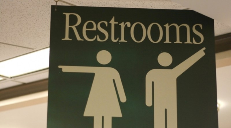 Indiana's Messer (R) files bill opposing bathroom mandate