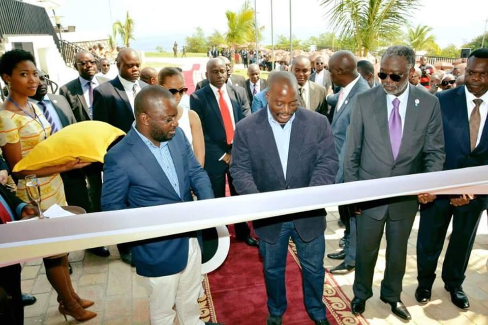 """Joseph Kabila n'a """"jamais eu des intérêts commerciaux sur les projets publics"""", affirme Mende"""