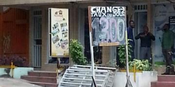 En RDC, le Franc congolais en chute libre, les prix grimpent!