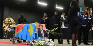 Le gouvernement va prendre «totalement en charge» les funérailles de Tshisekedi