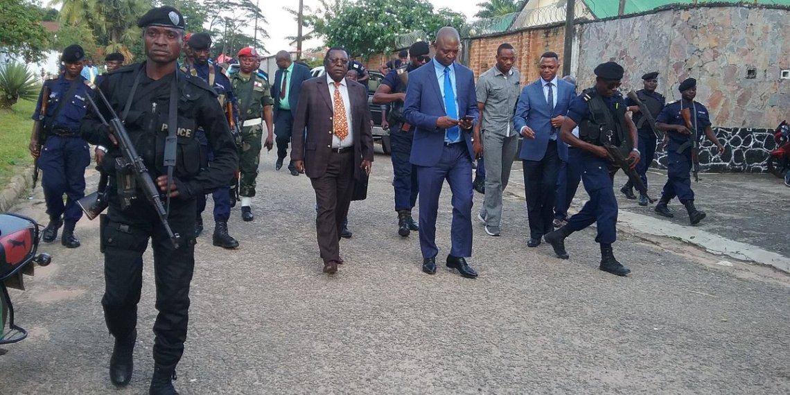 Tirs à Kananga: «il s'agit des jeunes gens instrumentalisés», affirme Lambert Mende
