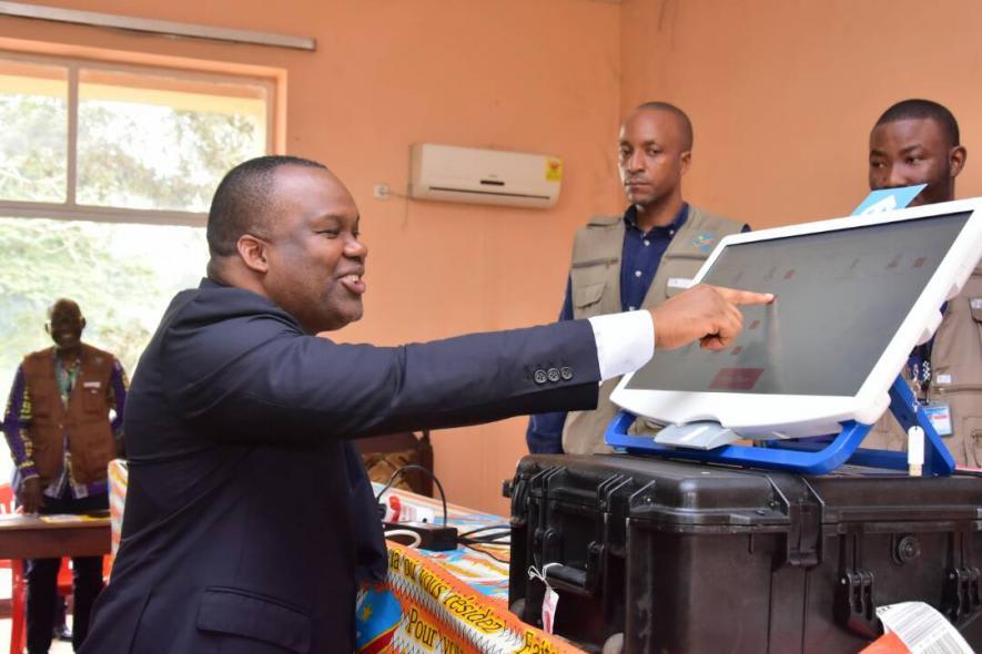 """Les catholiques appellent la CENI à retirer """"immédiatement"""" la machine à voter et rappellent leur ultimatum du 30 avril"""