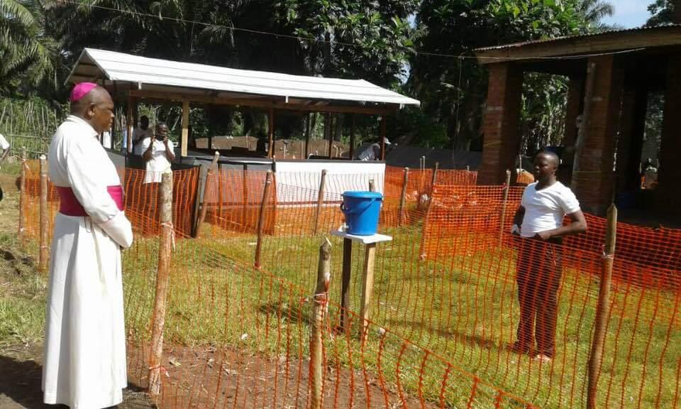 Ebola: un prêtre catholique contaminé par le virus à Mbandaka