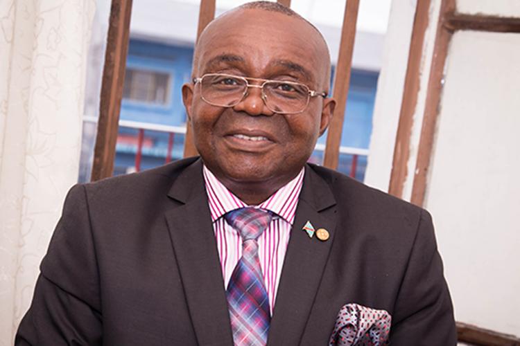 """""""Toute candidature de Joseph Kabila pour le compte du FCC justifiera l'application de l'article 64"""": JB Ewanga"""