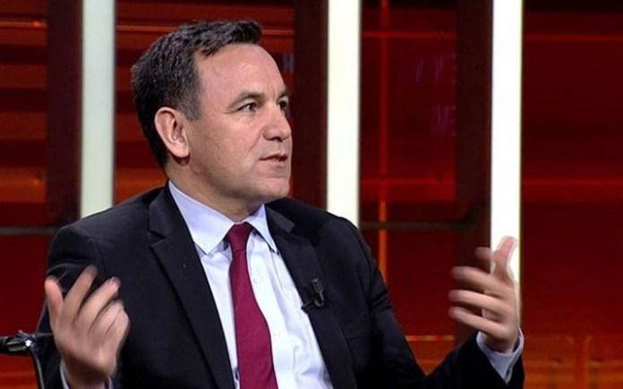 """Sözcü yazarı Zeyrek: AKP'li bir isim beni arayarak,""""Emin Çölaşan mı FETÖ'ye destek vermiş? Külahıma anlatsınlar"""" dedi"""