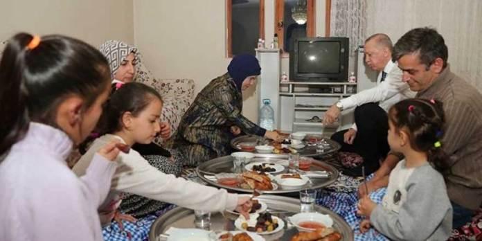 Deniz Zeyrek, Erdoğan'ın misafir olduğu iftarla ilgili detayı yazdı