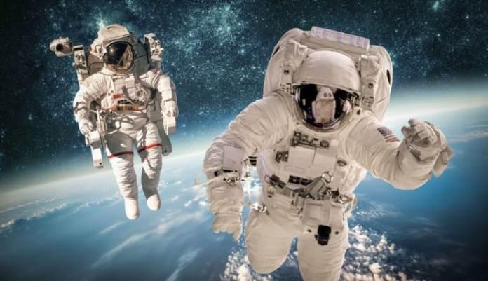 Jeff Bezos'un Gösterişçi Uzay Seyahati Tam Anlamıyla Bir Amerikan Yüz Karası