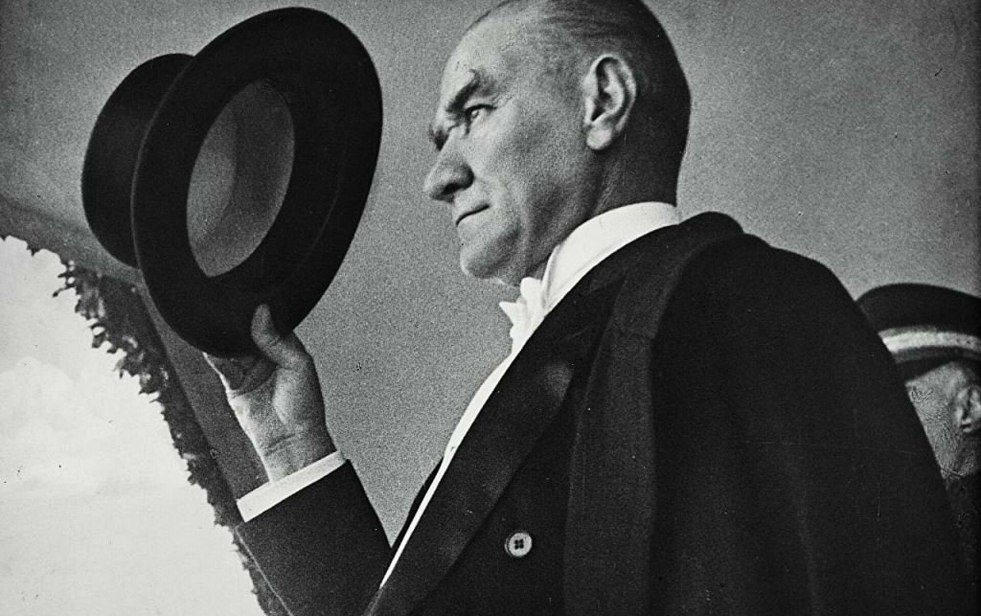Milliyetçilik ve Vatanseverlik ayrışırken: Atatürk önce vatansever miydi?