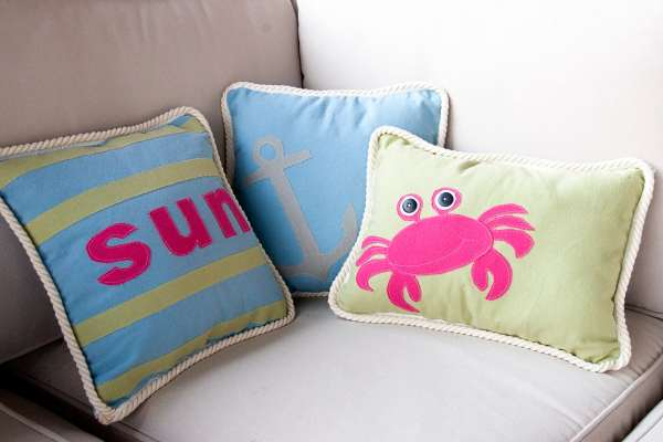 Summer Pillows- With Free Pattern - Polkadot Chair