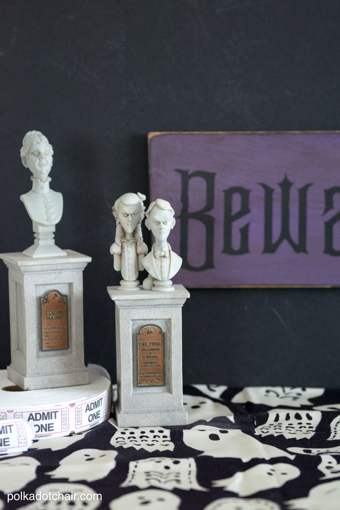 DIY Wood Halloween Sign Tutorial And Haunted Mansion Craft