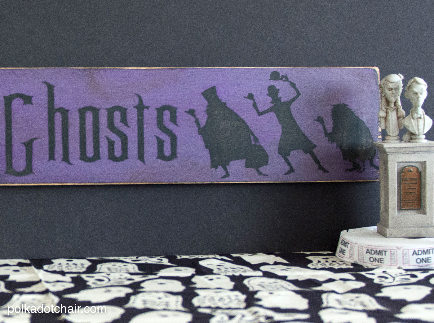 hanging chair wood bean bag covers how to make a hitchhiking ghosts haunted mansion sign