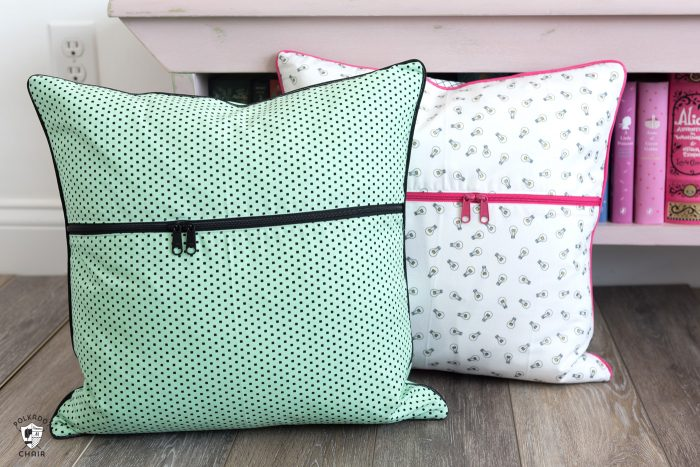 book pillow with this free pattern
