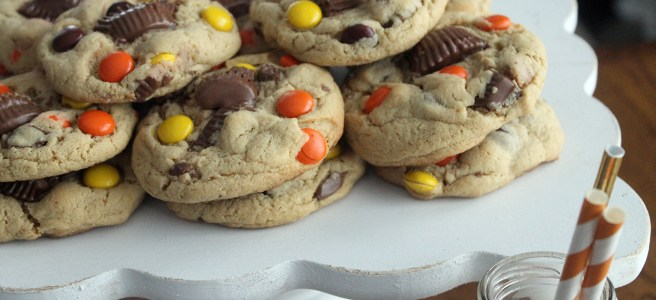peanut butter overload cookies | polka dots and picket fences