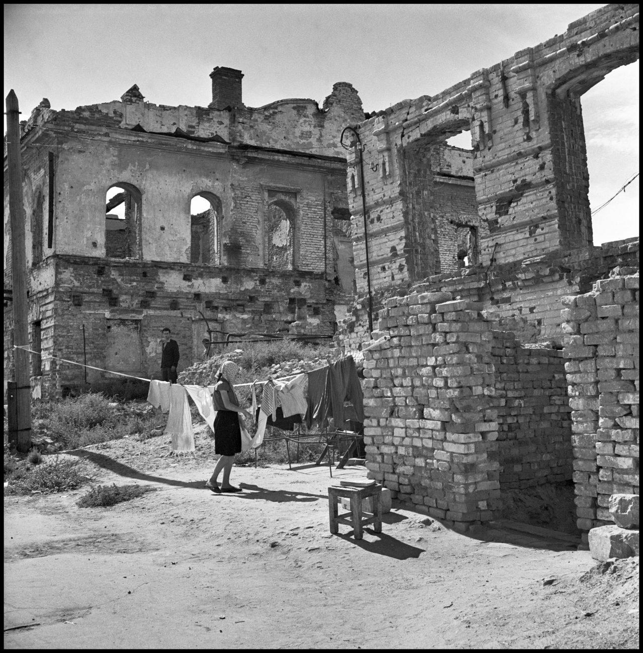 Stalingrad, URSS, 1947.