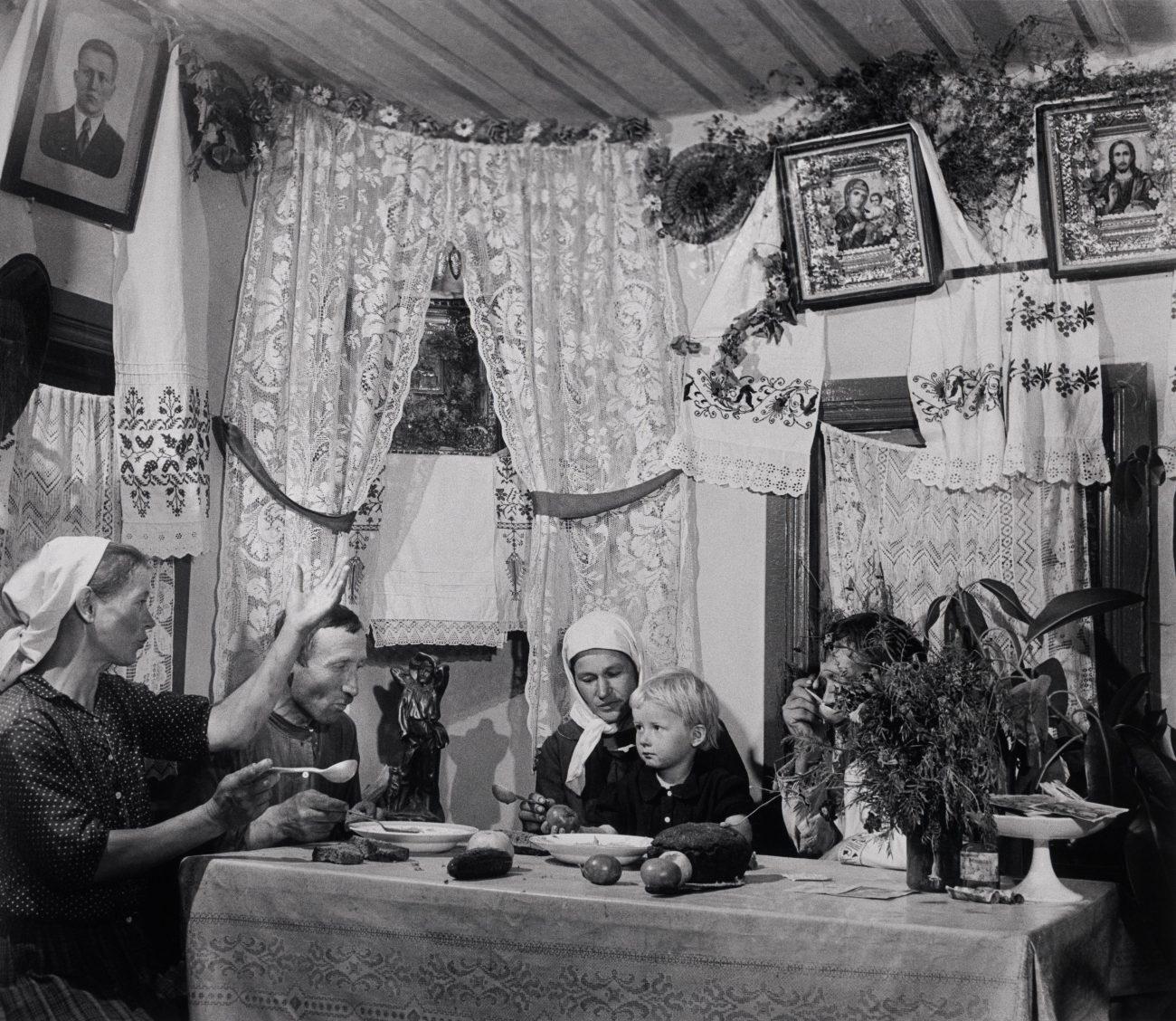 Ferme collective, Ukraine, août 1947.
