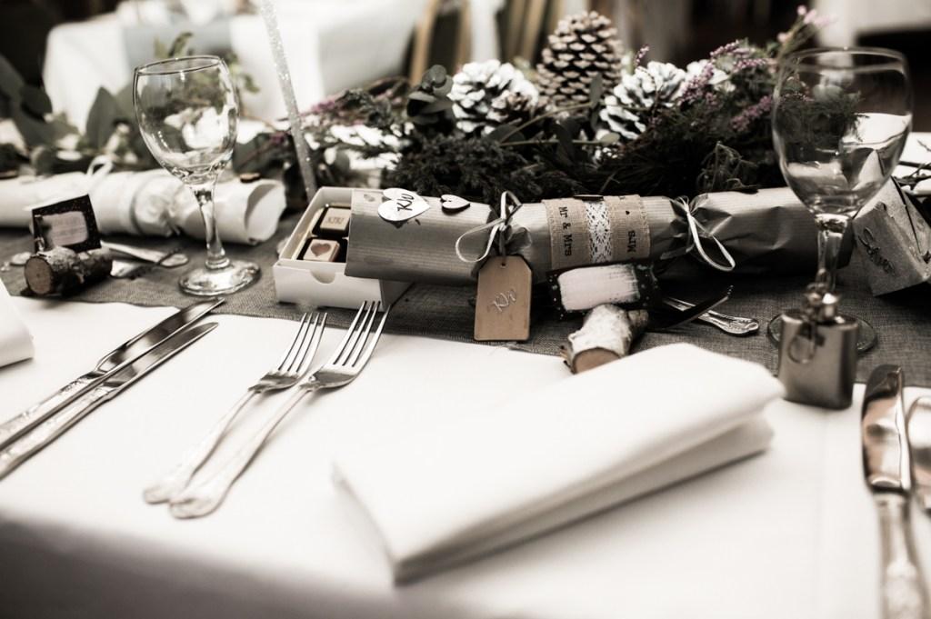 December wedding flowers winter wedding tablesettings