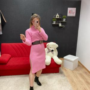 Abito in lana lungo con spacchi rosa barbie