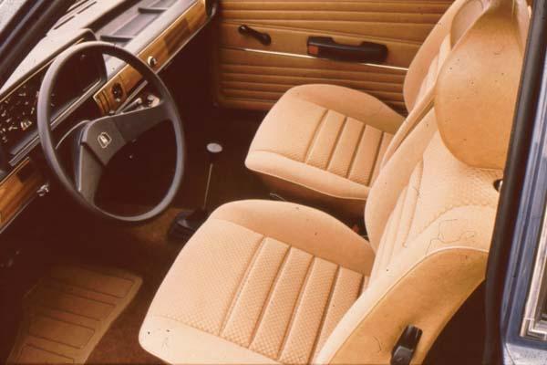 1980 Volkswagen Polo LS interior